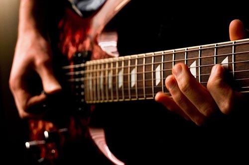 VA - Играет гитара, поет не смолкая…16 (2013)